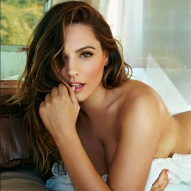Kelly Brook Nude Celebrity Pics