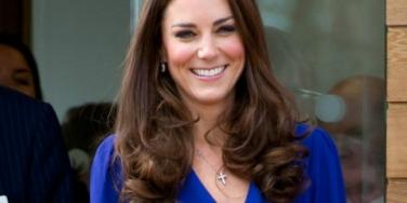 Dashing Kate Middleton Makes Three Soldiers Faint!