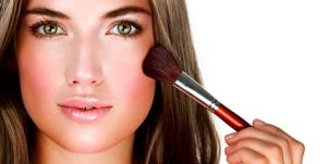 About Face: 3 Flawless First-Date Makeup Tips [EXPERT]