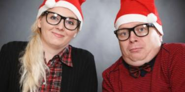 Relationship Fail: Let's Meet & Get Married For Christmas!
