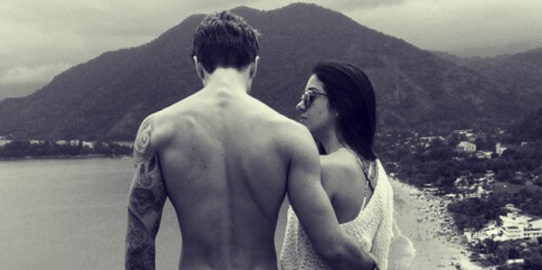 4 Reasons He Has Trouble Communicating His Feelings To You