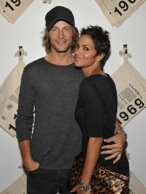 """<a href=""""http://bossip.com/339212/halle-berry-to-gabriel-aubry-you-were-only-good-for-one-thing-thanks-for-the-donation/"""">bossip.com</a>"""