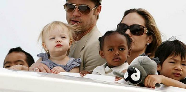 3 Experts Weigh In On Brad & Angelina's Unconventional Engagem