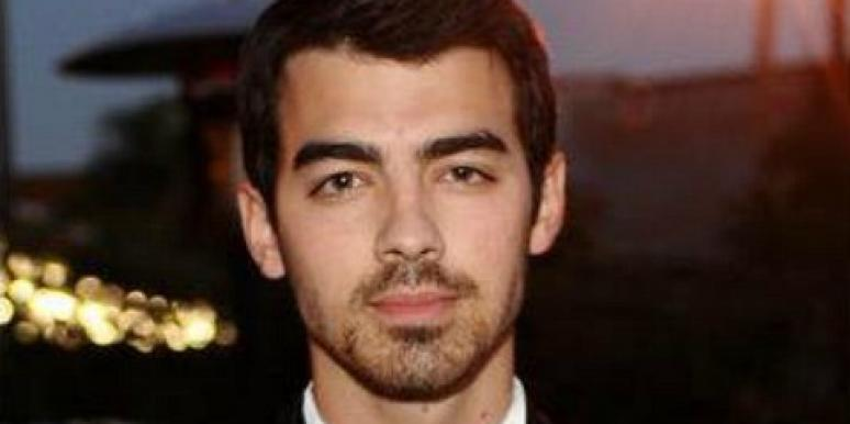 Love & Sex: Joe Jonas Lost His Virginity To ...