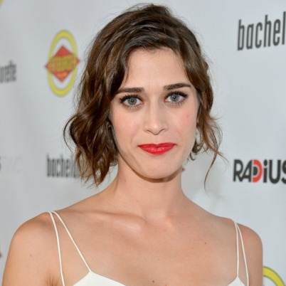 "<a href=""http://movies.mxdwn.com/news/lizzy-caplan-to-co-star-alongside-seth-rogen-and-james-franco-in-the-interview/"">movies.mxdwn.com</a>"