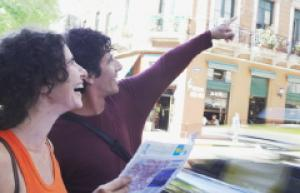 people map tourists