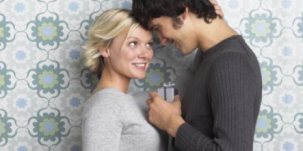 Holiday Gift Guide For Every Love Stage: Short-Term Dating