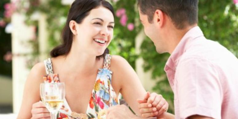 5 Signs You & Your Date Are 'Clicking'
