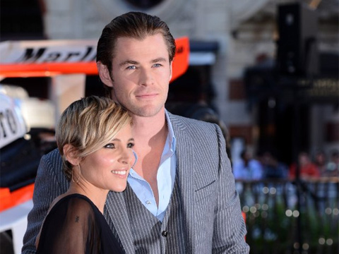 "<a href=""http://www.imdb.com/media/rm3186679296/nm1165110?ref_=nmmi_mi_all_evt_57""/>Chris Hemsworth with wife Elsa Pataky - IMDB</a>"