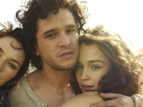 "<a href=""http://images.kpopstarz.com/data/images/full/140702/emilia-clarke-boyfriend.jpg?w=600"">Kit Harington & Emilia Clarke</a>"