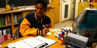 Flirt: Kevin G From 'Mean Girls' Grew Up To Be Super Fetch