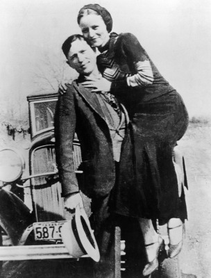 "<a href=""http://theredlist.fr/wiki-2-24-224-539-view-historical-profile-bonnie-clyde.html"">theredlist.fr</a>"