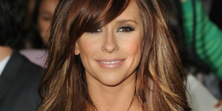 A-List Links: Why Jennifer Love Hewitt Is Stripping In This Video
