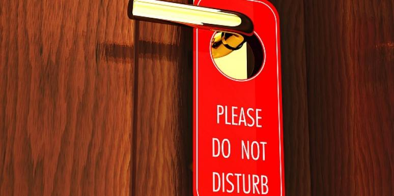 do not disturb sign.