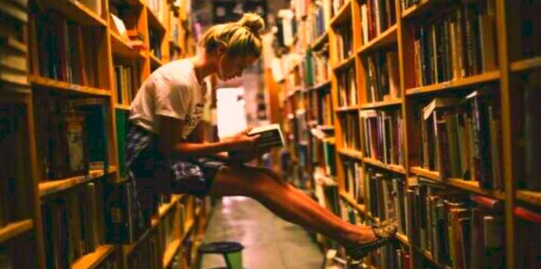 Books That Should Be On Your Summer Reading List