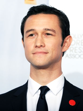 "<a href=""http://www.hollywoodreporter.com/live-feed/joseph-gordon-levitt-cnn-msnbc-occupy-wall-street-363220"">hollywoodreporter.com</a>"