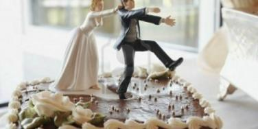 11 Insanely Inappropriate Wedding Cake Toppers
