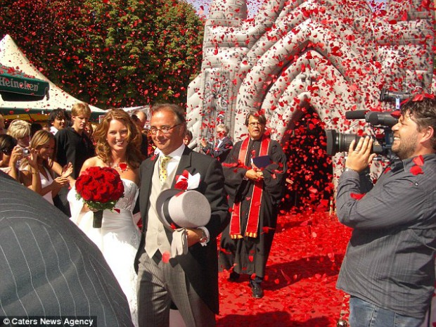 "<a href=""http://www.dailymail.co.uk/news/article-2645821/Love-honour-inflate-Incredible-blow-church-used-weddings-just-beware-not-accidentally-puncture-pew.html?ITO=1490&ns_mchannel=rss&ns_campaign=1490"" target=""_blank"">dailymail.co.uk</a>"
