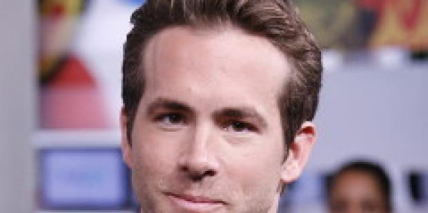 Ryan Reynolds Proposed To Scarlett Over Text
