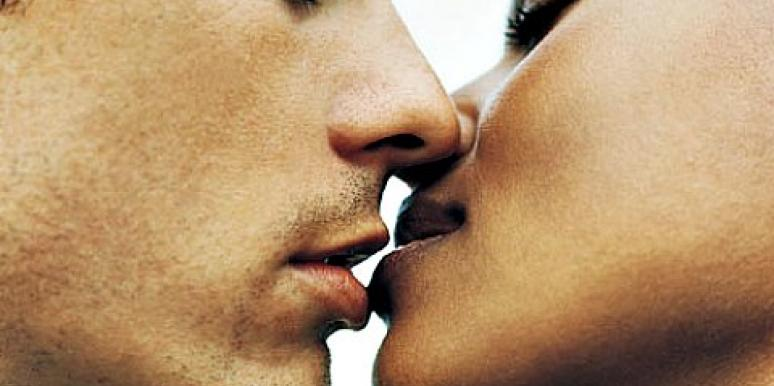 Become A Great Kisser In 6 Simple Steps